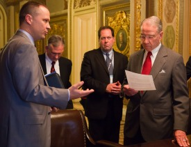 /ext/galleries/GACHillVisits/grassley-02.jpg